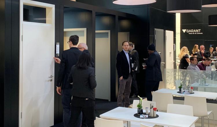 »Straße der Türen«: GARANT mit begehbaren<br>Türen-Neuheiten auf der BAU 2019